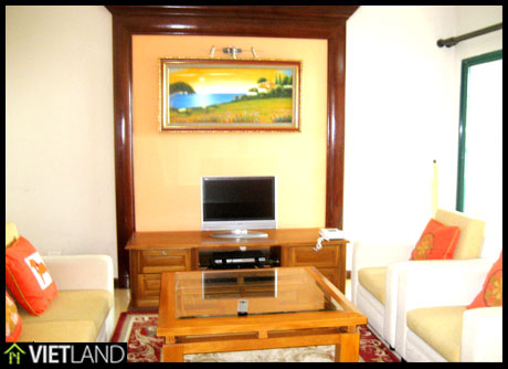 Lake viewed apartment for rent in Spring Garden 71 Nguyen Chi Thanh, Ha Noi