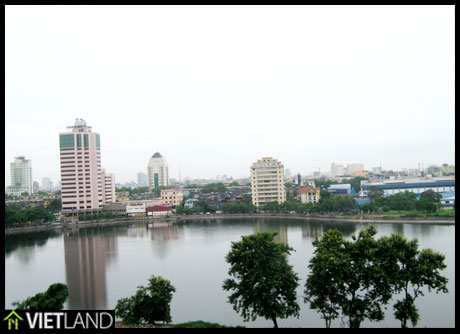 Apartment for rent in Ha Noi, facing to Giang Vo Lake, 15-17 Ngoc Khanh Building, 3 beds, full furnishing