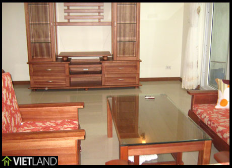 4 bedroom apartment with lake view for rent in Ha Noi, Westlake Area