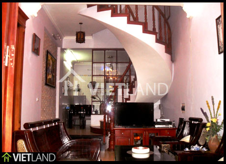 House with 4 bedrooms for rent in Au Co street, Tay Ho district, Ha Noi