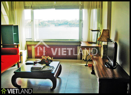 Truc Bach lake viewed flat for rent in Ba Dinh district, Ha Noi