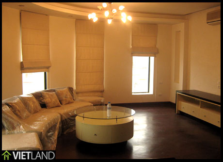 Serviced Apartment for rent in the heart of Ha Noi, close to VinCom Towers