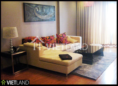 2 bed serviced apartment for rent in Ha Noi, facing to West Lake