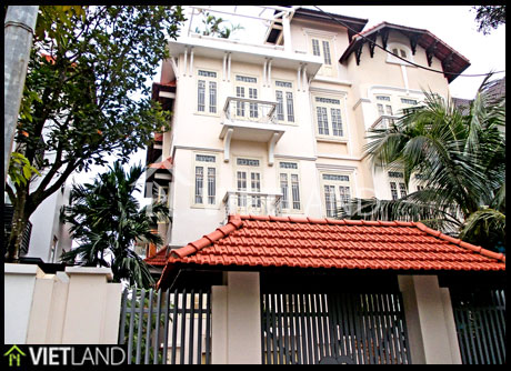 Villa with swimming pool for rent in D3 Vuon Dao, Tay Ho district, Ha Noi